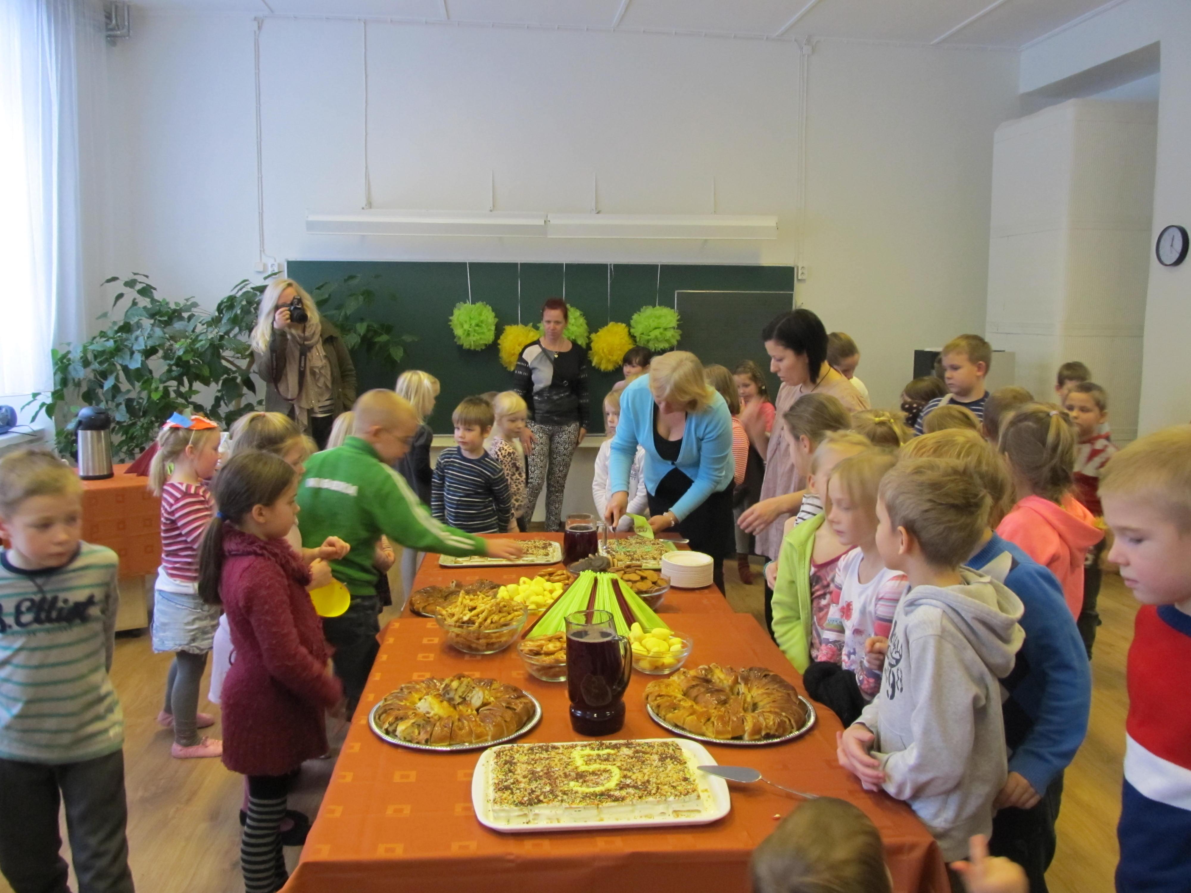 ec9f0dfd547 Tallinna lasteteatri Lepatriinu kohta saad rohkem lugeda SIIT · Lasteaia  sünnipäev 017 ...